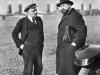 30. В.И.Ленин и В.Д.Бонч-Бруевич во дворе Кремля. Москва, октябрь 1918 года