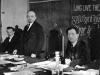 43. В.И.Ленин в президиуме I конгресса Коминтерна в Кремле. Слева направо: Г.Эберлейн, В.И.Ленин и Ф.Платтен. Москва, 2-6 марта 1919 года