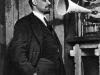 48. В.И.Ленин перед звукозаписывающим аппаратом в Кремле. Москва, 29 марта 1919 года